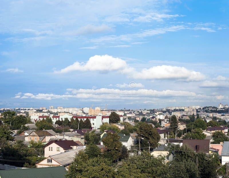 Rivne cityscape i Ukraina royaltyfri bild