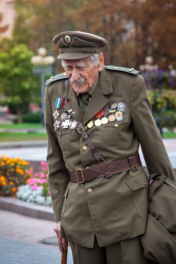 Rivne, de Oekraïne - Oktober 14, 2012 Veteraan van Oekraïense Insu stock afbeelding