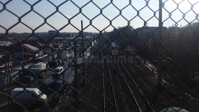Rivne Ukraine Les chemins de fer regardent du pont image libre de droits