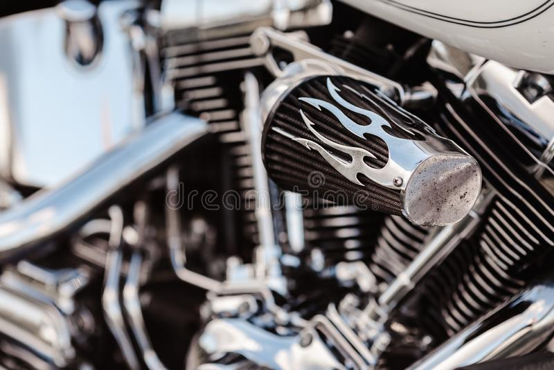 Rivne, Ukraine - 23. September 2019: Einzelheiten zu Harley-Davidson Fat Boy Abgasleitungen für Motorräder Schließen einer cl lizenzfreies stockfoto