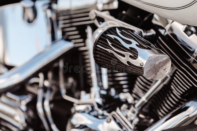 Rivne, Ukraine - 23 septembre 2019 : Détail de moto Harley-Davidson Fat Boy Tuyaux d'échappement du moteur motocycle Fermer un cl photo libre de droits