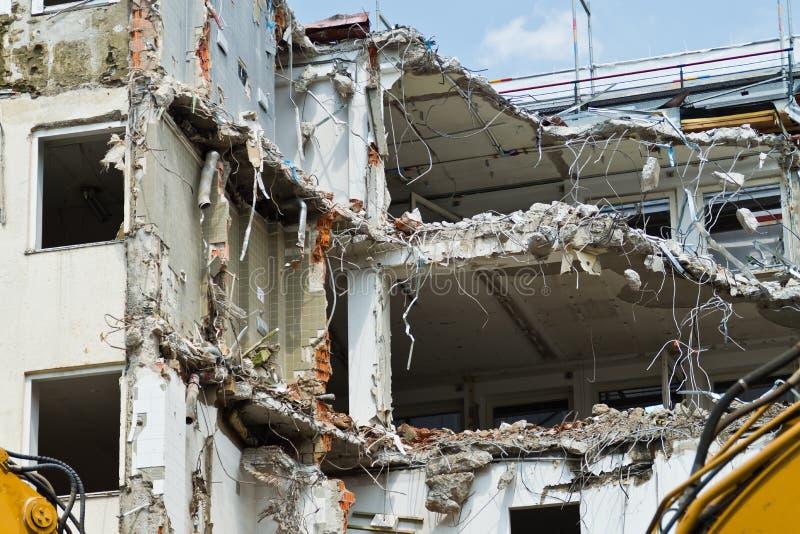 Rivning av ett hus i Munich royaltyfria bilder