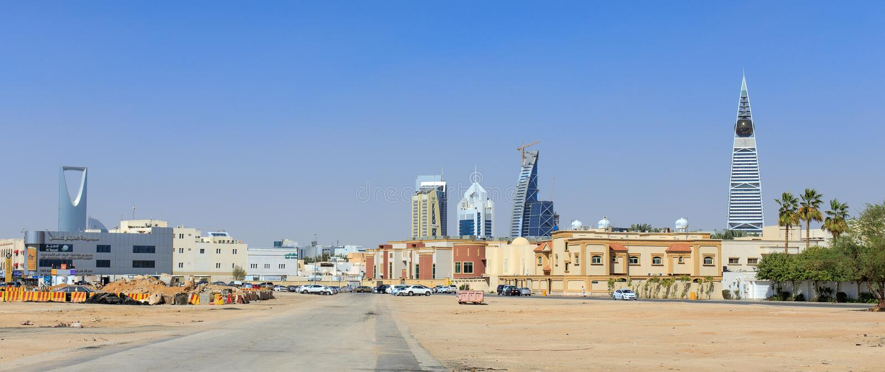 RIYAD, ARABIA SAUDITA - 9 FEBBRAIO 2015: Paesaggio urbano se Riyad fotografia stock libera da diritti