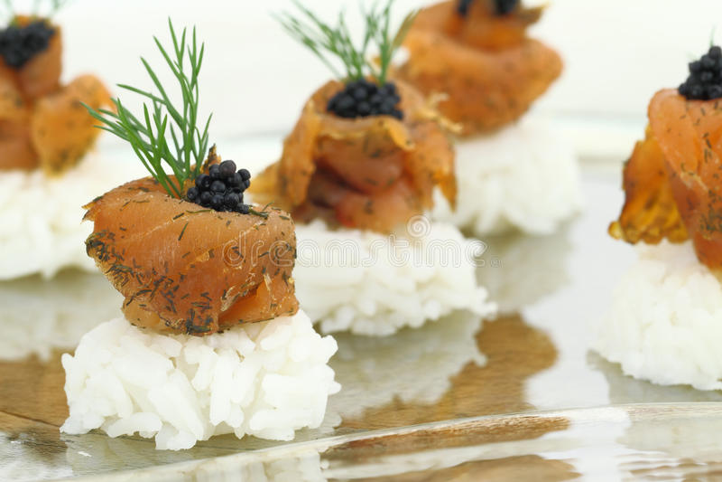 Riz avec des saumons photo stock
