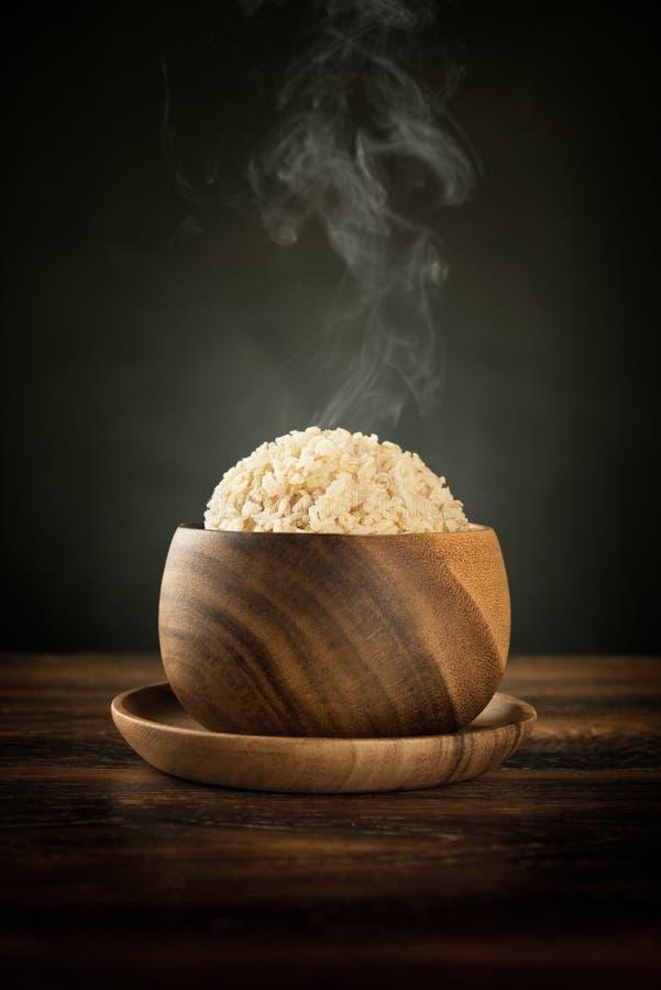 Riz brun Basmati organique cuit avec la vapeur image libre de droits