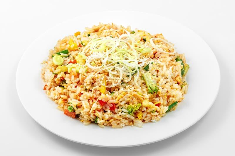Riz Cho Yang, riz, poivrons, courgette, carottes, oeuf photos stock