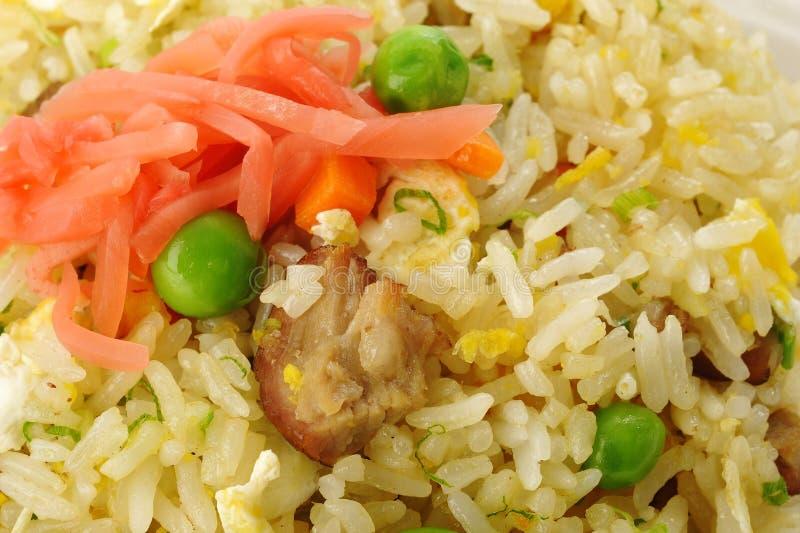 Riz frit de porc avec des pois image libre de droits