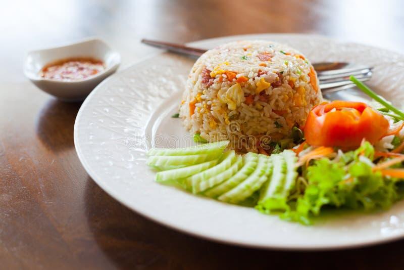 Riz frit thaï images libres de droits