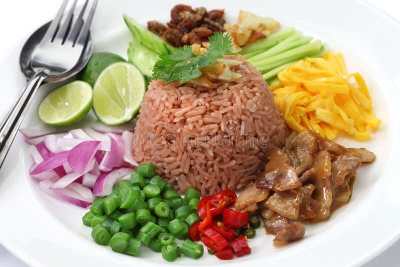Riz frit thaïlandais avec la pâte de crevette image libre de droits