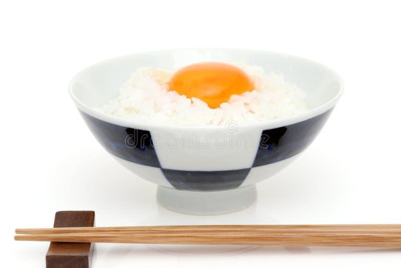 Riz japonais avec l'oeuf image stock