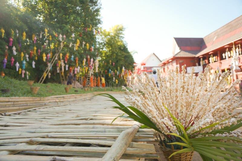 Riz sauté pour la décoration dans le temple, Thaïlande photos libres de droits