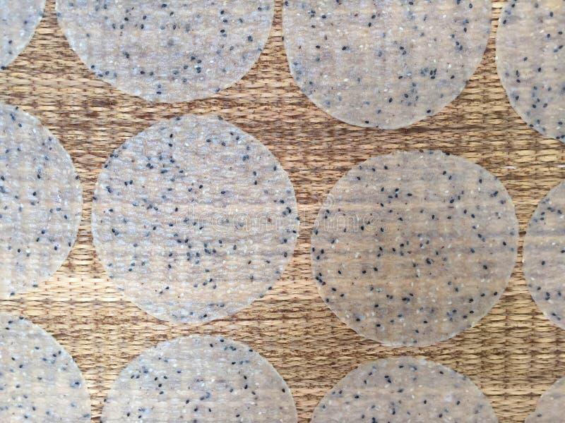 Riz thaïlandais de chips de casse-croûte images stock