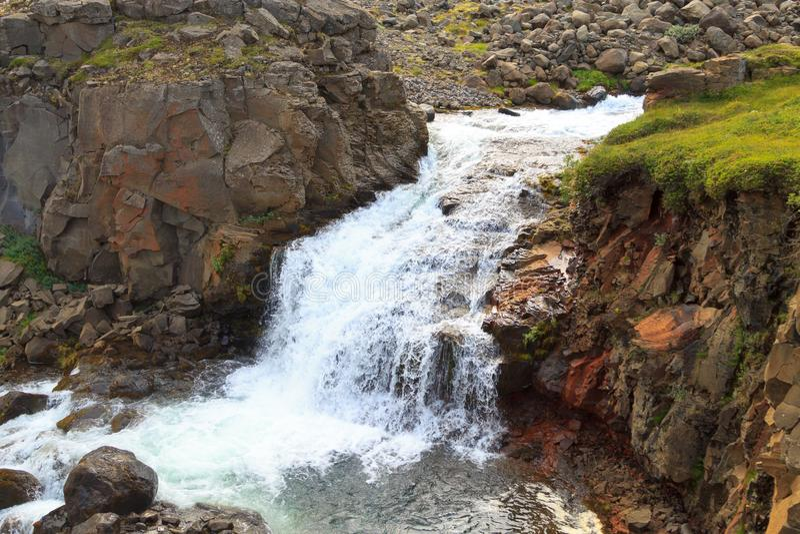 Rjukandafoss瀑布关闭,冰岛高地地标 免版税库存照片