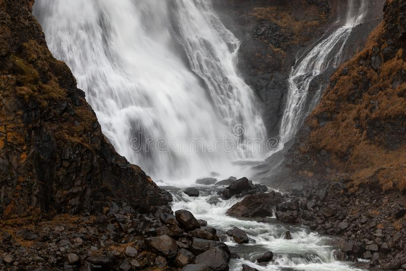 Rjukandafoss vattenfall i den norr delen av Island arkivbild