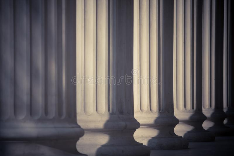 Ro av kolonner arkivbild