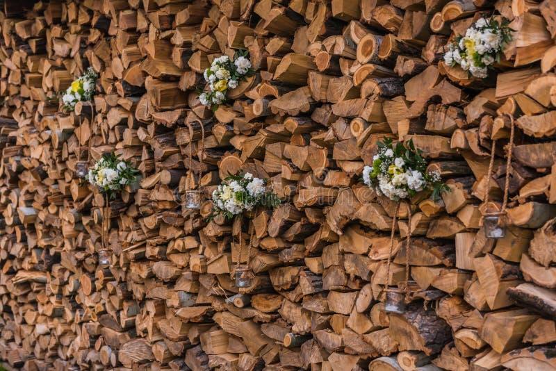ro för pärla för inbjudan för garnering för dekor för bakgrundsboutonnierekort som gifta sig white arkivbilder