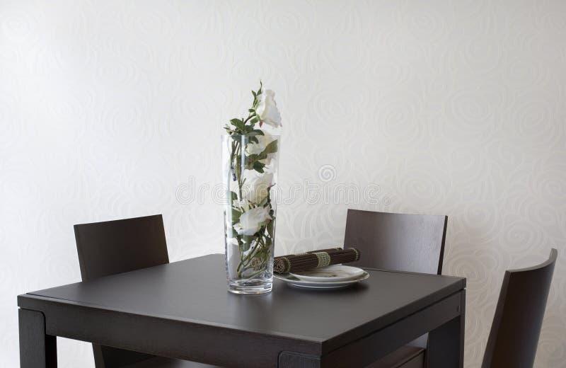 ro table white arkivbilder