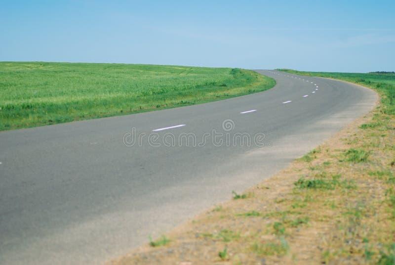 The road goes beyond the horizon, stock photos