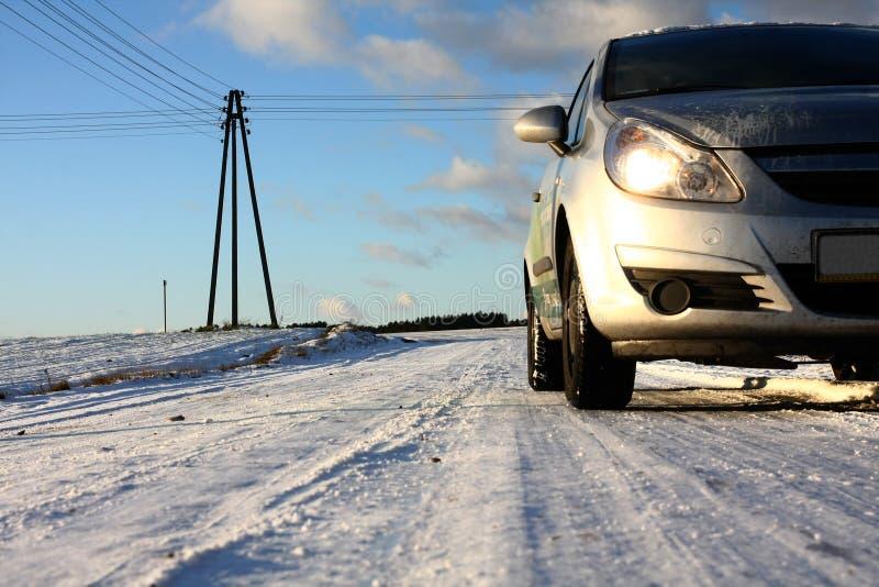 road snowy village στοκ φωτογραφίες με δικαίωμα ελεύθερης χρήσης