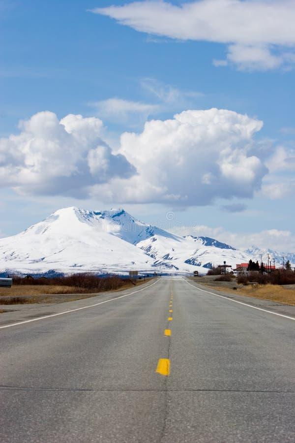 Free Road Through Alaska Mountains Royalty Free Stock Image - 2803516