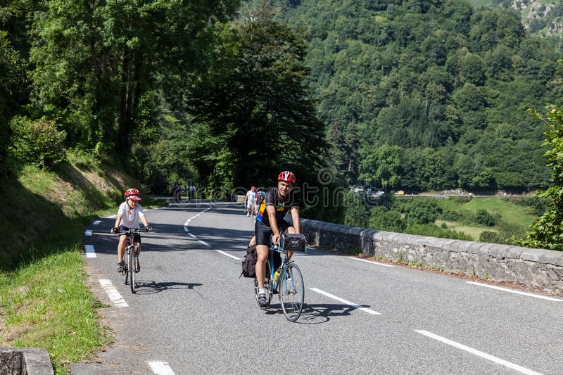 Download On The Road To Col D'Aubisque Editorial Photo - Image: 26271891