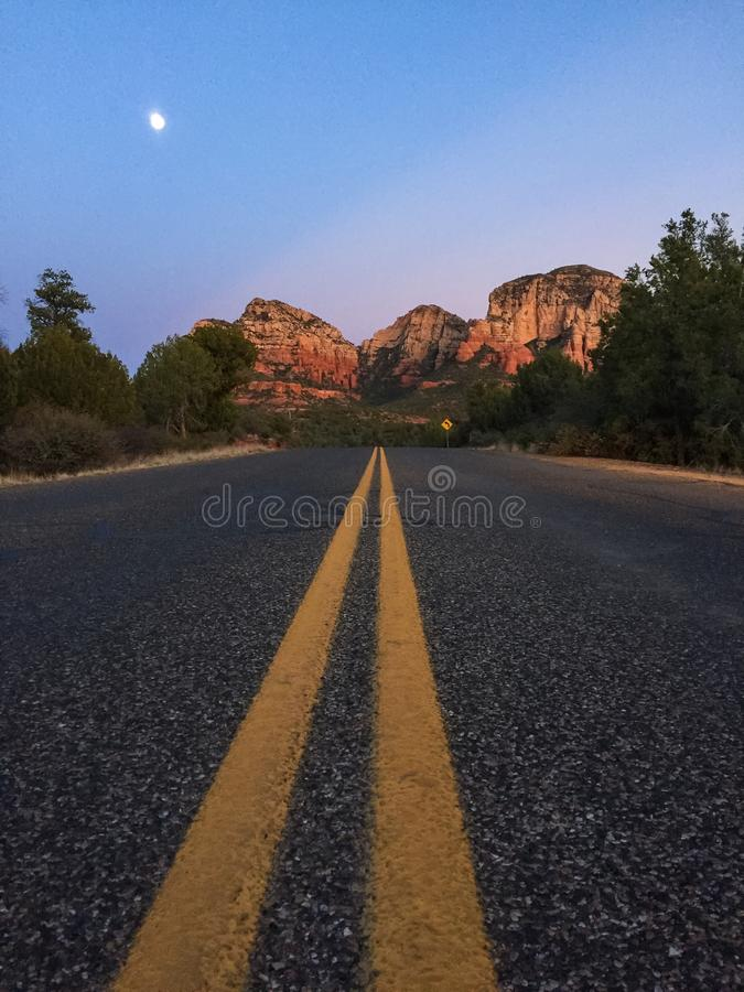 Free Road To The Red Rocks In Sedona, Arizona. Stock Images - 67074734