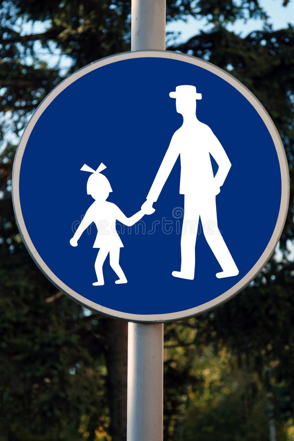 Free Road Traffic Children Beware Sign In White Against Blue Royalty Free Stock Image - 1468466