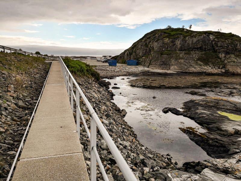 Road van de Atlantische Oceaan - Atlanterhavsveien in Noorwegen Bouw in Molde stock fotografie