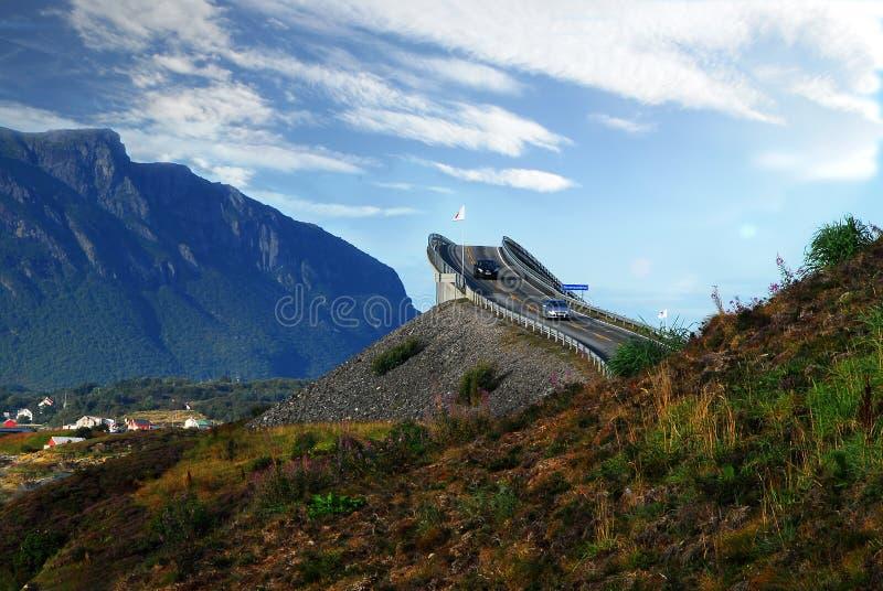 Road van de Atlantische Oceaan in Noorwegen stock foto's