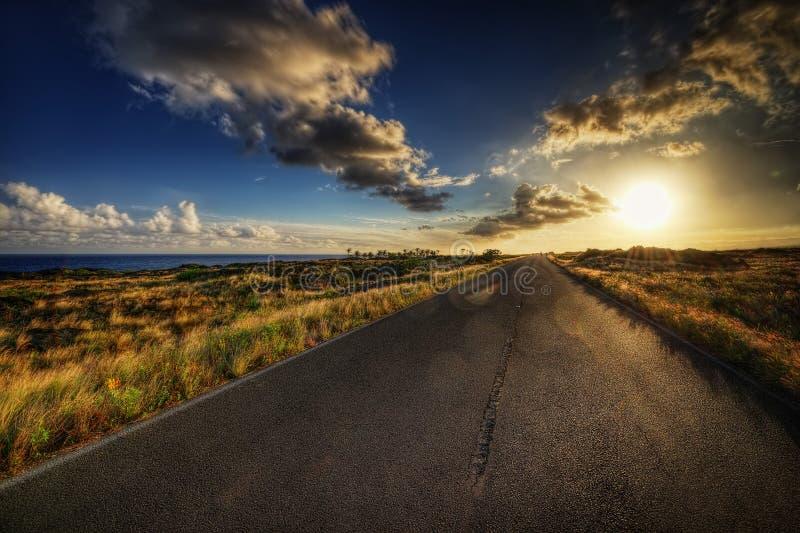 Road van Hawaï in Zonsondergang royalty-vrije stock foto's