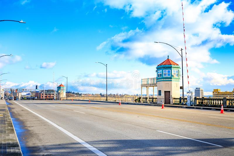 Road view on Burnside Bridge, over the Williamette River stock photography