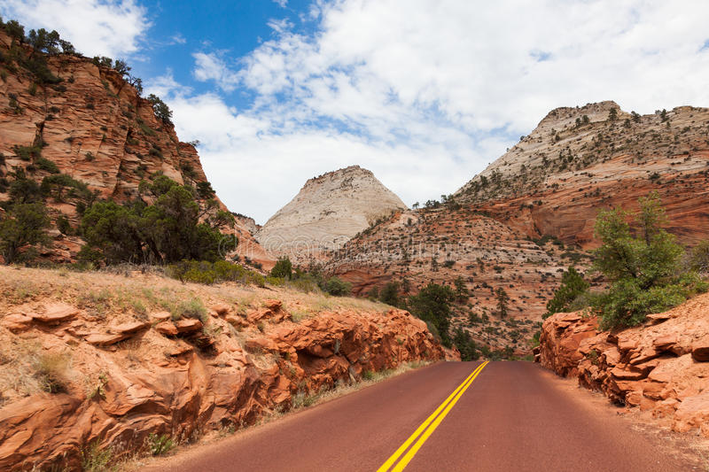 Download Road Through Zion National Park In Utah Stock Image - Image: 25880075