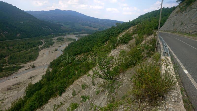 Roadside Cliff-weergave stock fotografie