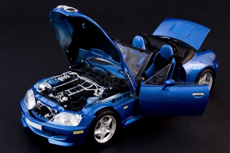 Roadster covertible blu alla moda fotografia stock libera da diritti