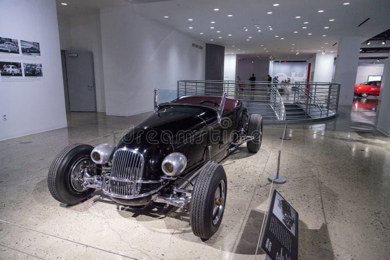 Roadster 1927 de coutume de Ford Model T de noir photographie stock