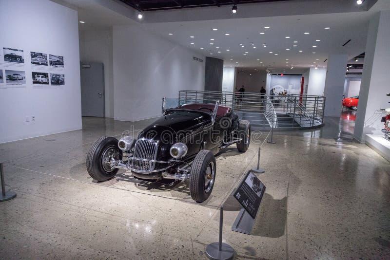 Roadster 1927 de coutume de Ford Model T de noir photographie stock libre de droits