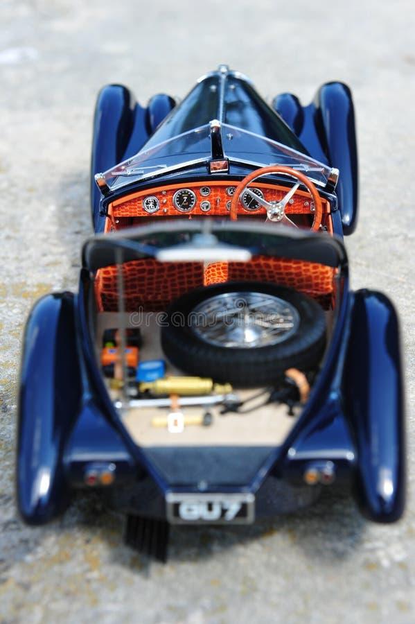 Roadster för Bugatti 57 SC Korsika - instrumentbräda arkivfoton