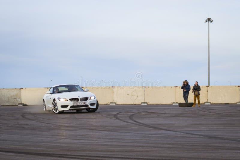Roadster-voiture BMW z4 à la dérive photo stock