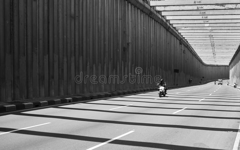 Roadtrip huvudväg i Indonesien royaltyfri bild