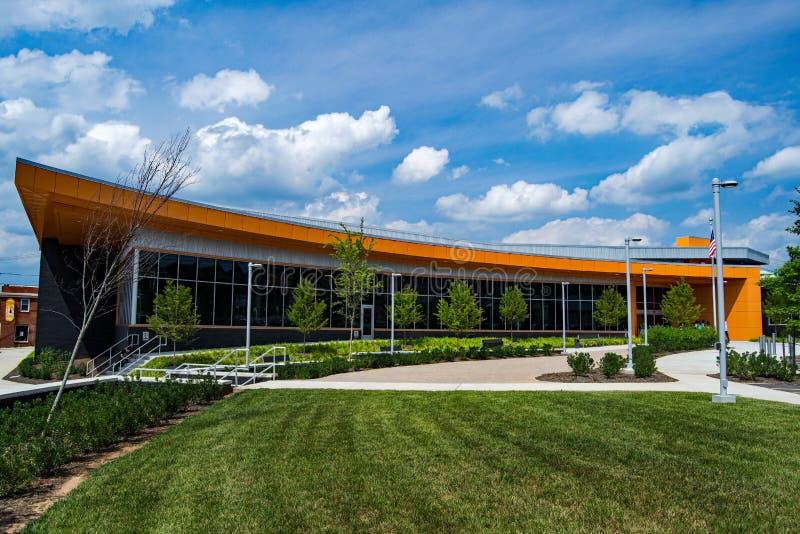 Roanoke County Library – Vinton, Virginia, USA. Vinton, VA – July 2nd: Roanoke County's newest library located in beautiful downtown Vinton royalty free stock image