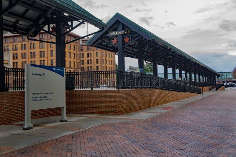 Amtrak Loading Platform - 3. Roanoke, VA – December 23rd: Amtrak loading platform located in downtown Roanoke, Virginia, USA on December 23rd, 2017, Roanoke stock photography