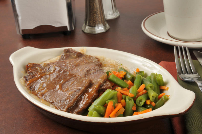 Roast beef and mixed vegetables royalty free stock photos