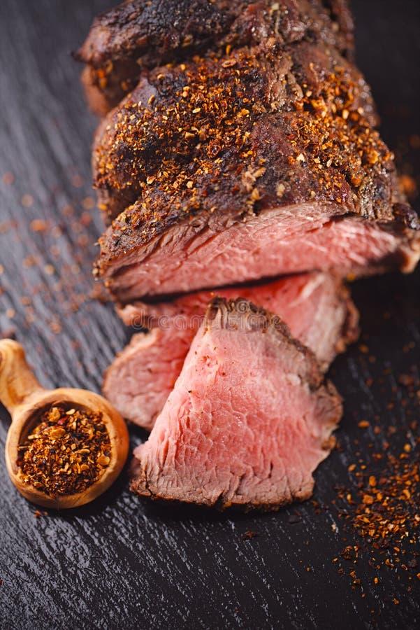 Roastbeefsteak, tadellos sous vide gekocht und gegrillt lizenzfreie stockfotos