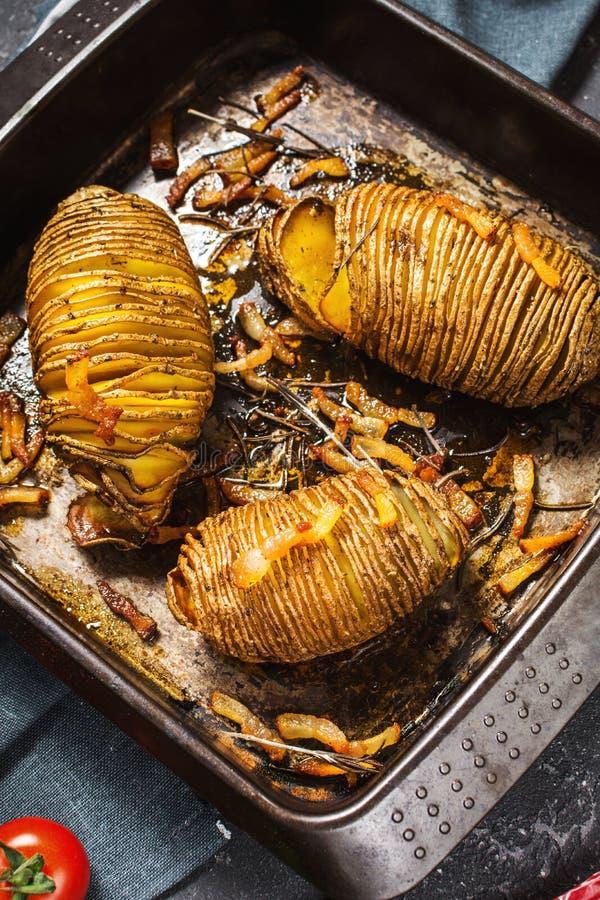 Free Roasted Hasselback Potato On Cast Iron Pan Royalty Free Stock Photos - 137240598