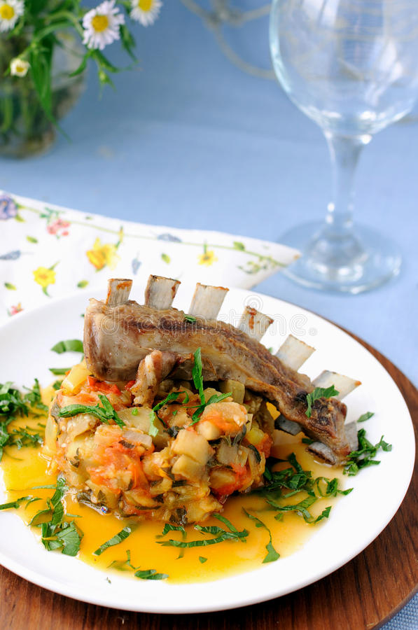 Free Roasted Lamb Ribs With Stewed Vegetables Royalty Free Stock Photography - 15035677