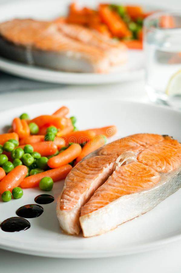 Download Roasted Salmon With Vegetable Garnish Stock Image - Image: 26649253