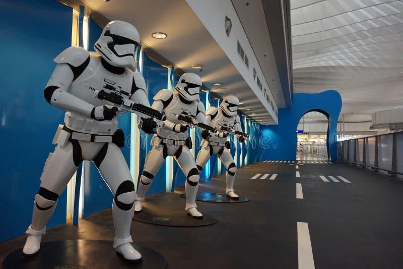 Robô em Rogue One uma história de Star Wars imagens de stock royalty free