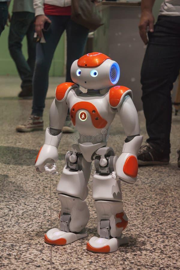 Robô da NAO no Fest seguinte prendido em Milão, Itália foto de stock royalty free