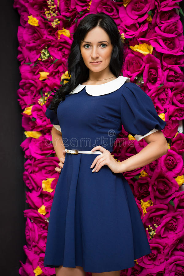 Robe assez bleue sexy de femme photos libres de droits