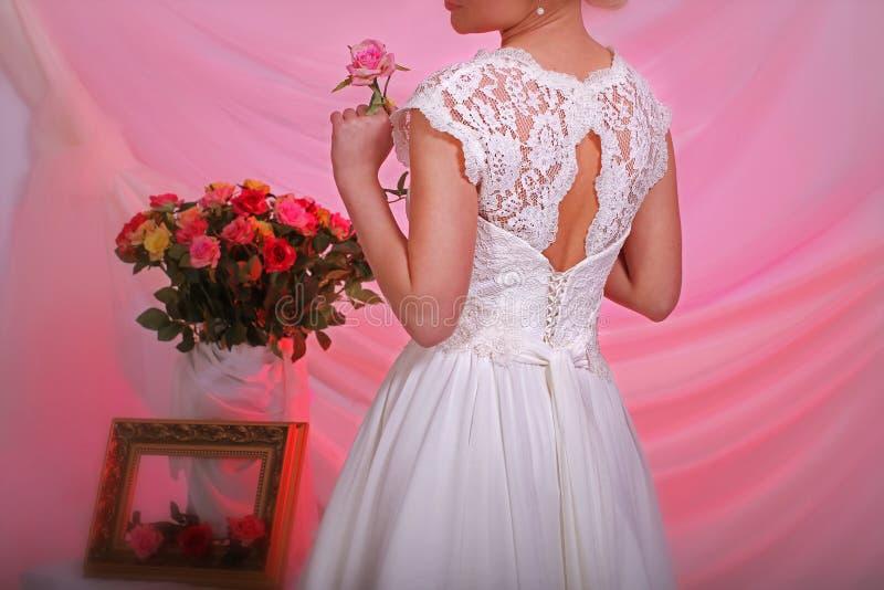 Robe de mariage élégante photos libres de droits